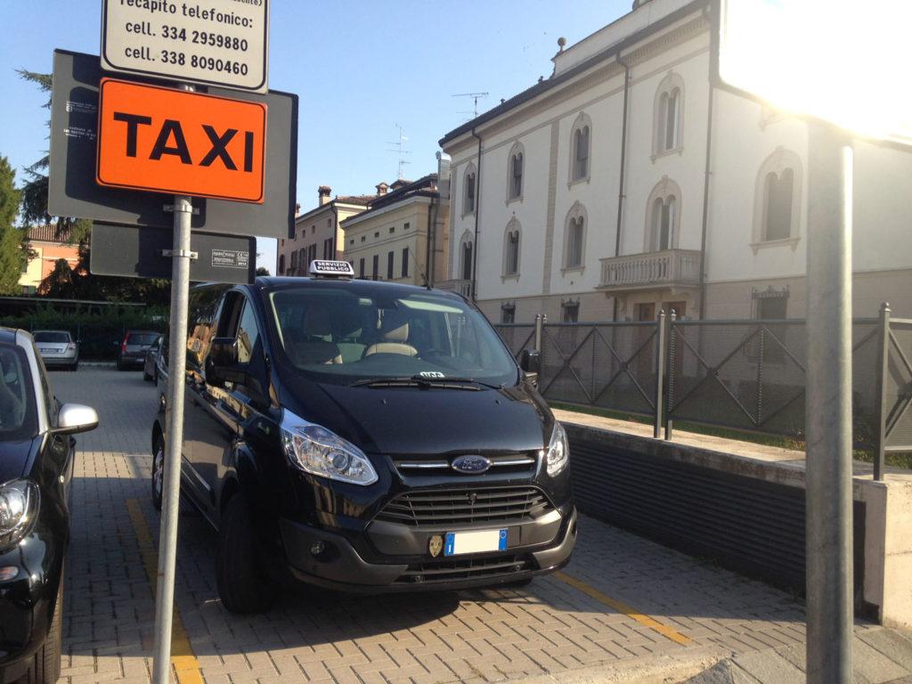 Pulmino 9 posti Taxi